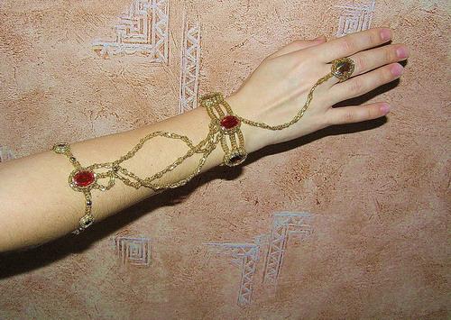Показать самые красивые браслеты из бисера Бисероплетение.