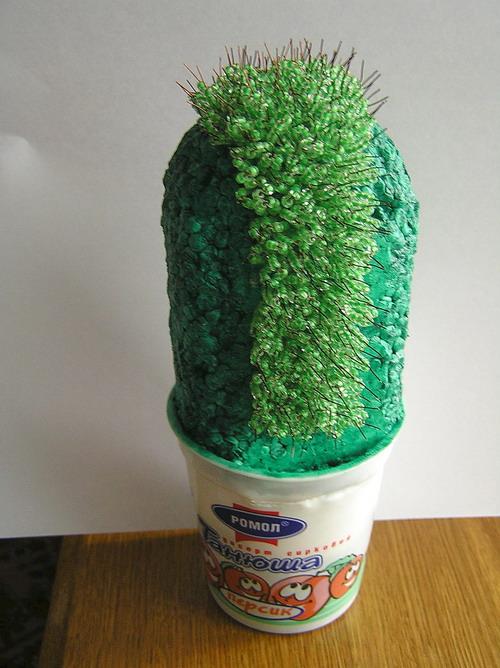 Как сделать кактус из бисера своими руками.